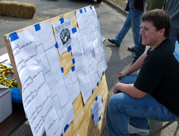 Peter DiLeo kept track of the brackets for the double-elimination competition.
