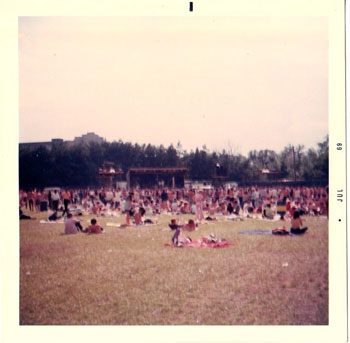 The crowd at Fuller Flatlands, courtesy Bob Frank