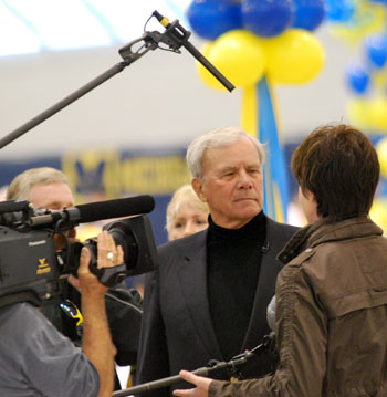 Tom Brokaw interviewing someone