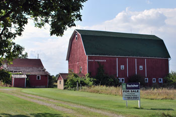 The distinctive red barn at Frederick Farm on Wagner Road.