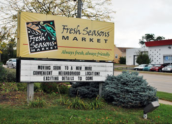 Sign at Fresh Seasons Market on West Liberty