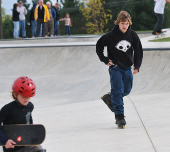 Inline skater at Riley Skatepark in Farmington, Hills Michigan