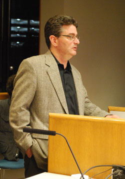 Mark Malven, an attorney with the law firm Dykema, briefed the library board on Monday night about a deal being negotiated for the archives of the Ann Arbor News. (Photo by the writer.)