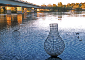 This image shows how wire sculptures on the Huron River might appear, if a project proposed by a University of Michigan visiting professor gets approval from the state and city. (Image courtesy of William Dennisuk.)