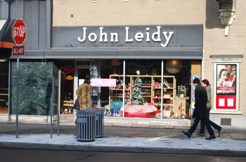 The entrance to the John Leidy shop at 601 E. Liberty, adjacent to the Michigan Theater. (Photo by the writer.)