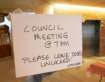 council-meeting-leave-unlocked
