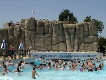 Rolling Hills Water Park wave pool